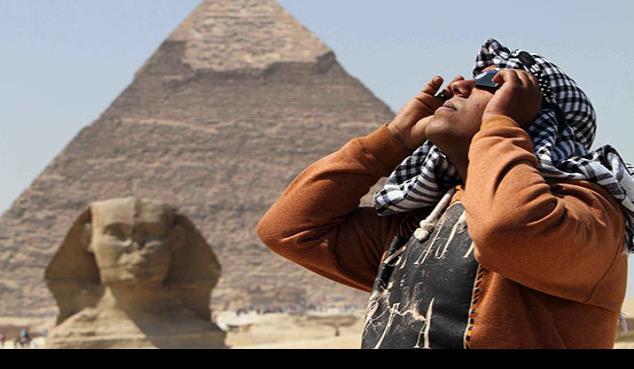 Completan la excavación de la segunda barca del faraón Keops en Egipto