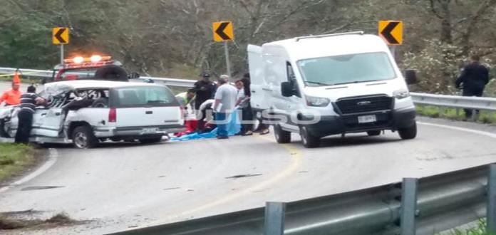 Choque de frente deja dos muertos en el tramo Rayón-Cd. Valles