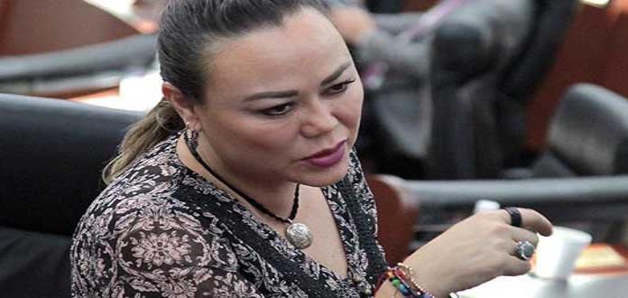 Diputada critica a Congreso Calificado; afirma que su evaluación es injusta y propicia la iniciativitis
