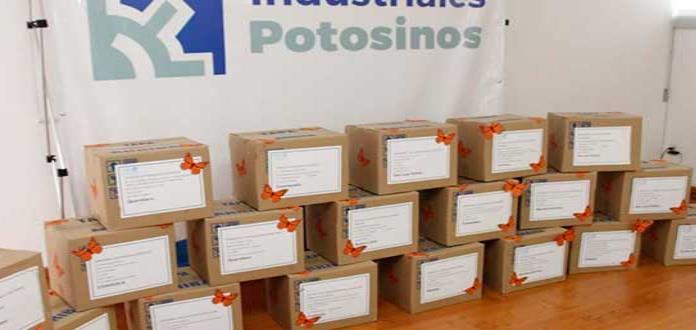 IPAC y Canacintra entregan kits para el cuidado de la mariposa monarca
