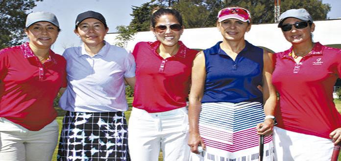 Reconocen esfuerzo de expertas jugadoras en el golf