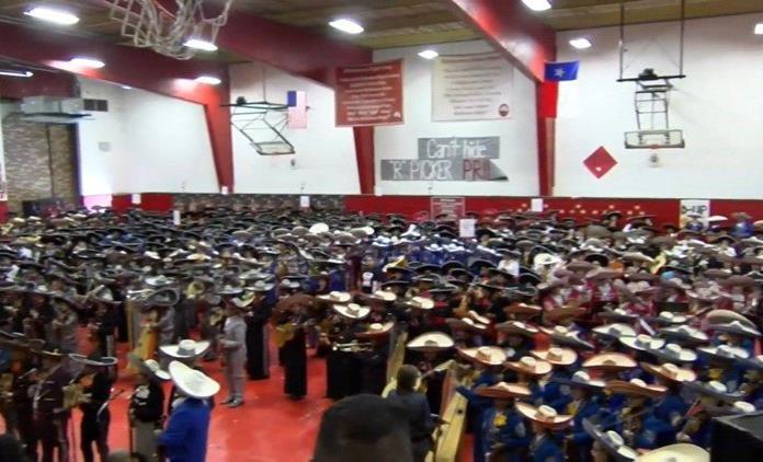 Mariachis imponen nuevo récord mundial en Texas