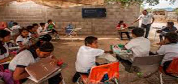 La miseria limita el regreso a las aulas en escuelas de Oaxaca, Michoacán y Chiapas