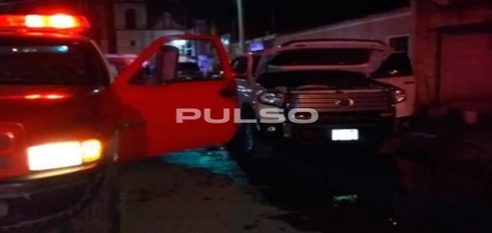 Queman camioneta de candidato en Ciudad Fernández
