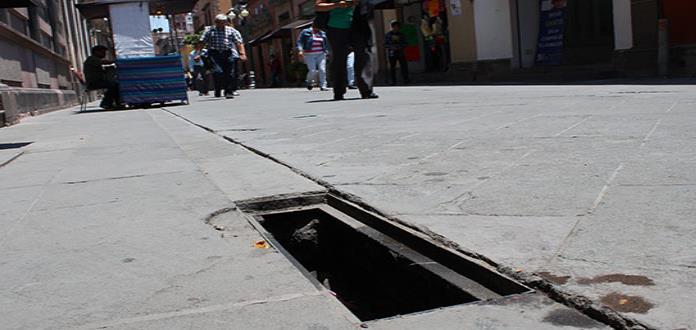 Piden ayuda para evitar el robo de rejillas en Zaragoza