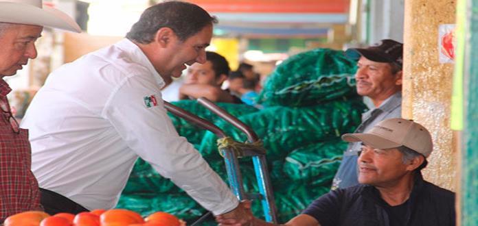 Presenta Mahbub propuestas a locatarios de la Central de Abastos