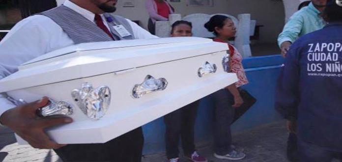 El sábado iban a bautizar a Tadeo, el bebé que murió en narcobloqueo de Jalisco
