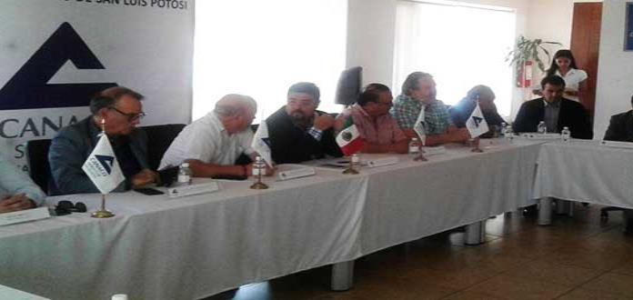 Desfilarán los cuatro candidatos a la alcaldía capitalina ante afiliados de Canaco