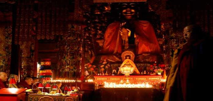Azúcar y glutamato enferman a los monjes budistas en Tailandia