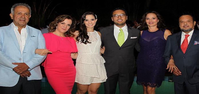 Luly Lamas Torres y Xavier Campos Valdés efectúan su enlace civil