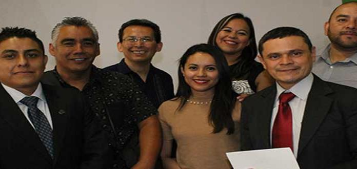Entregan premio a siete periodistas de Editora Mival