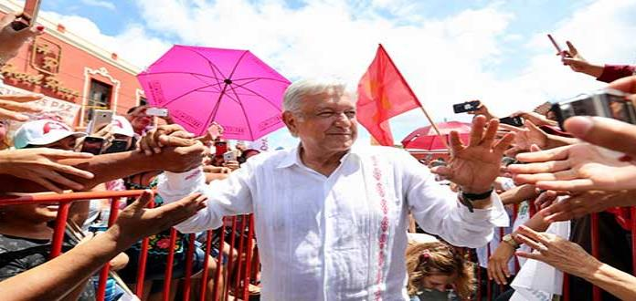 L. Obrador acepta que dio contratos a Rioboó