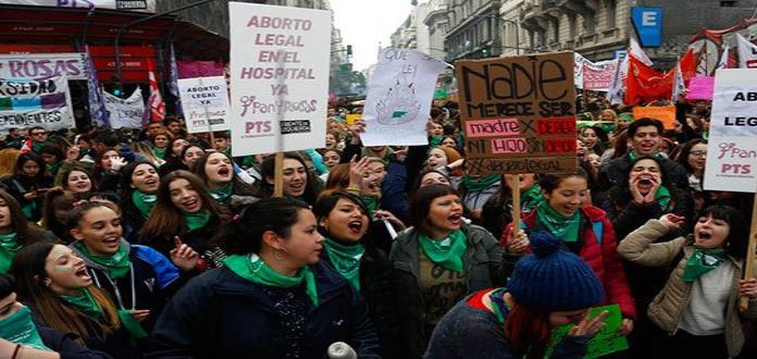 Argentina: una marea verde y feminista hizo historia por aborto legal