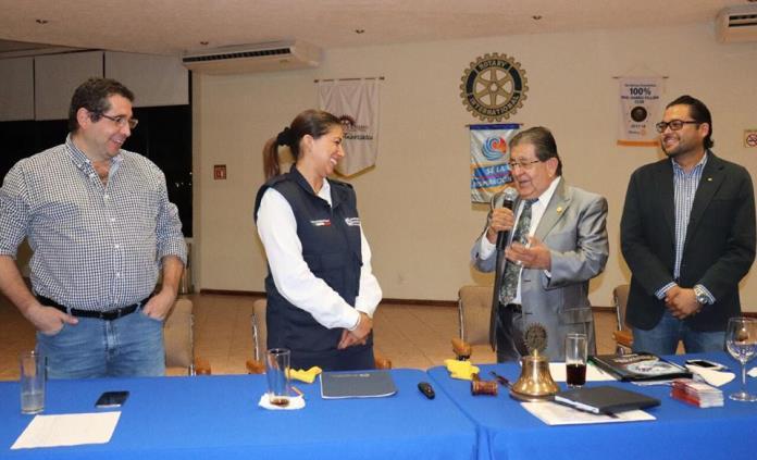Josefina Salazar reconoce la labor social de organizaciones civiles y clubes de servicio
