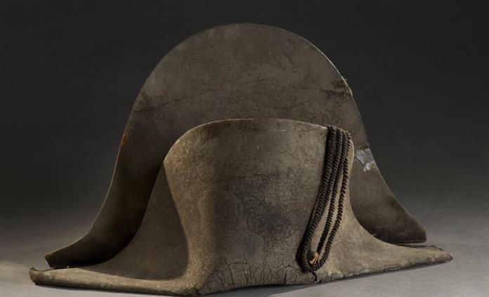 Subastan sombrero usado por Napoleón en Waterloo
