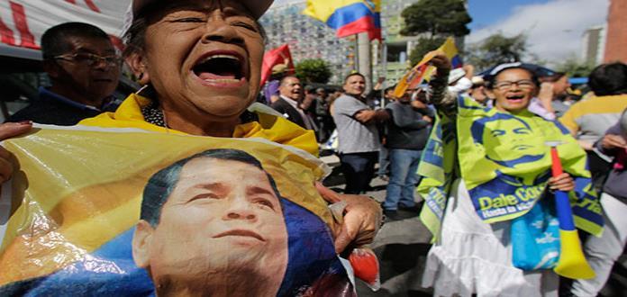 Rafael Correa, a juicio por plagio de un opositor
