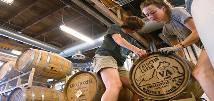 Aranceles de EU inquietan a productores de whiskey