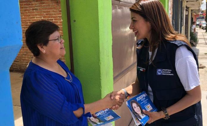 Detalla Josefina Salazar compromisos signados con el Frente por la Familia