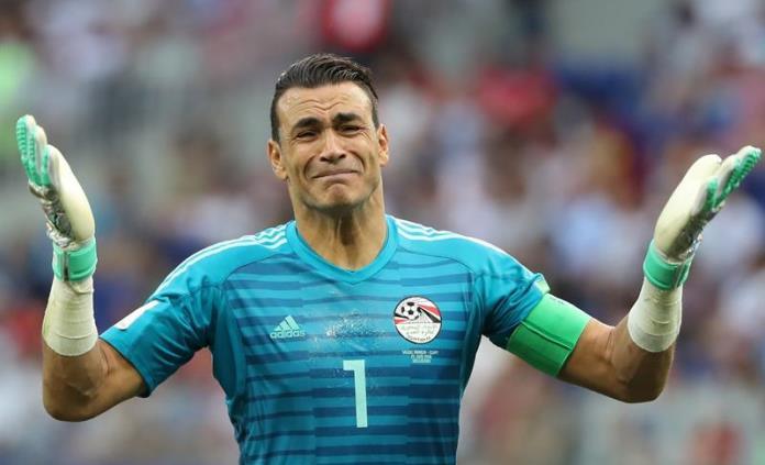 Portero de Egipto se convierte en jugador más veterano en un Mundial