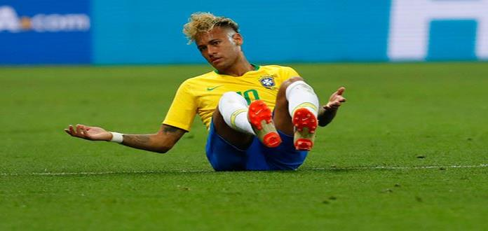 """Padre de Neymar pide """"apoyo"""" para su hijo tras críticas en redes sociales"""