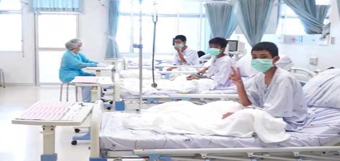 Niños rescatados de cueva se recuperan