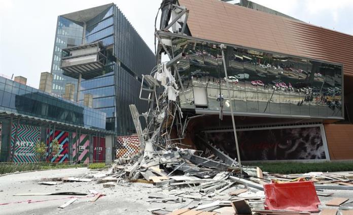 Reporte de la prensa internacional del derrumbe de plaza Artz