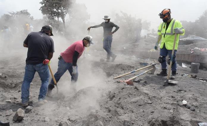 Guatemala confirma 319 personas desaparecidas por erupción