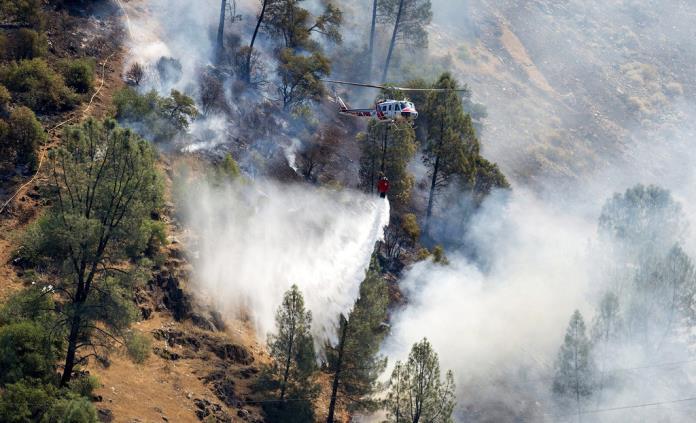 Incendio Ferguson cobra fuerza cerca del parque nacional Yosemite