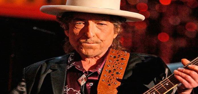 Subastan por casi 30 mil dólares una carta manuscrita de Bob Dylan de 1975