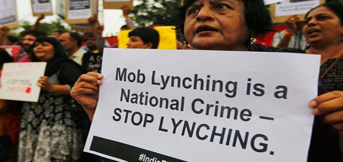 Linchan a joven acusada de robar niños en la India
