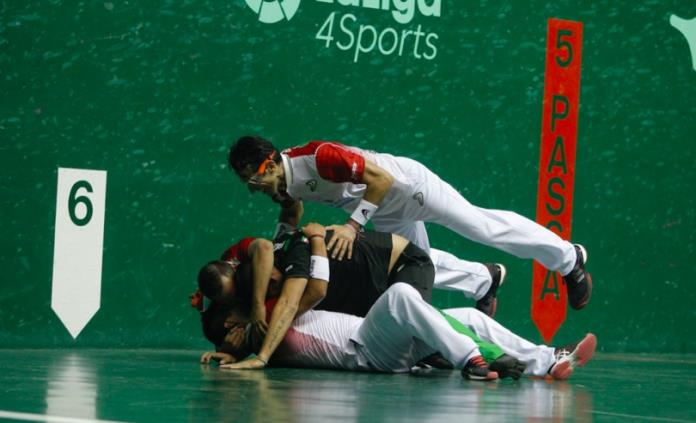 """El potosino Carlos Torres """"Chiquis"""" es campeón del mundo en frontenis"""