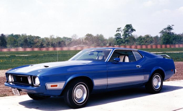 ¿Ford lanzará un Mustang 4 puertas?