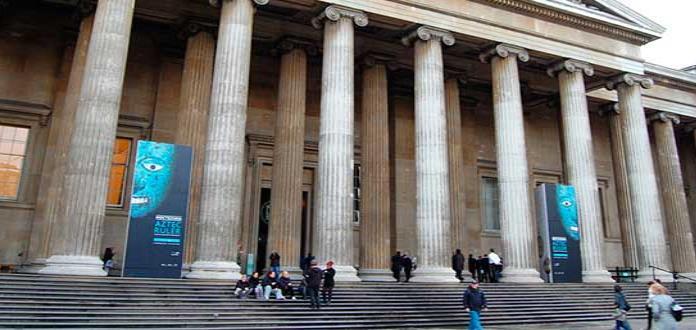 Atenas protesta por goteras en las salas del Partenón en el Museo Británico
