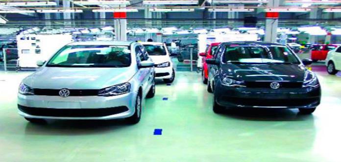 c591adcc4 Ventas de autos nuevos disminuyeron 7% en 2018, reporta Inegi