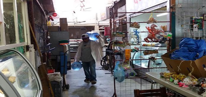 "Obstruyen accesos al mercado ""Colón"""