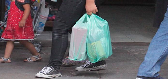 Comercios ya no tienen permitido la bolsa de plástico