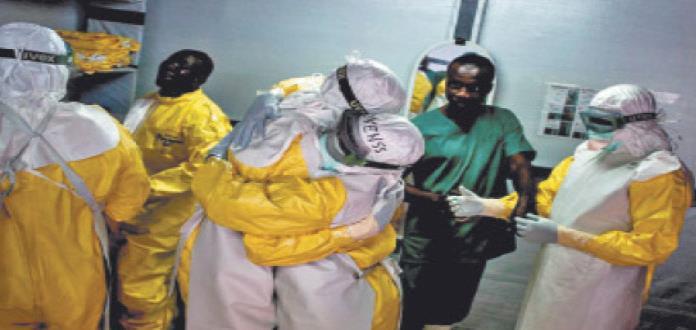 Mujer se recupera de ébola; da a luz a bebé saludable