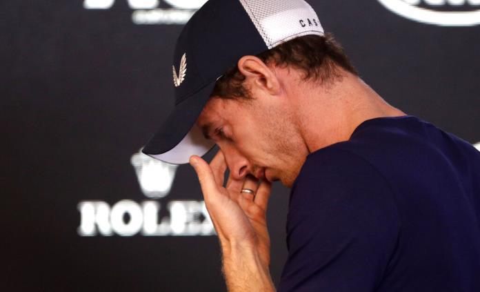 Los rivales de Murray, a su lado en el momento del anuncio de su retirada