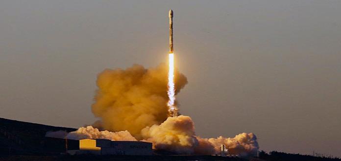 SpaceX lanza 10 satélites de empresa Iridium Communications