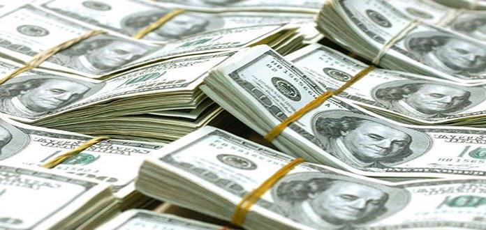 Hombre devuelve bolso con 10 mil dólares  en Nueva York