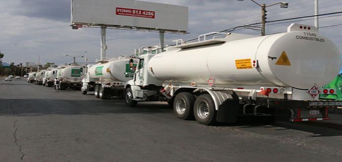 San Luis abastece gasolina  a vecinos