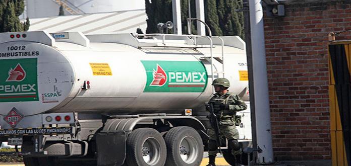 Seguirán soldados vigilando los oleoductos y depósitos