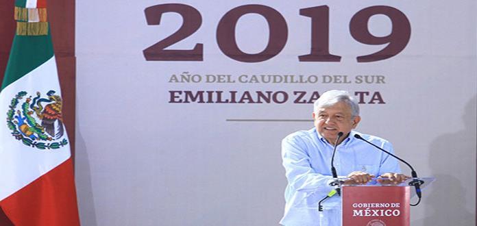 Gobierno de EPN sirvió para facilitar el saqueo de Pemex, dice AMLO