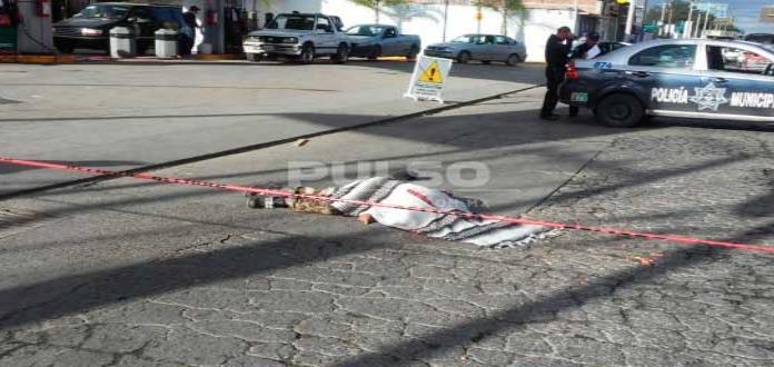 Pipero arrolla y mata a hombre en la carretera a Matehuala