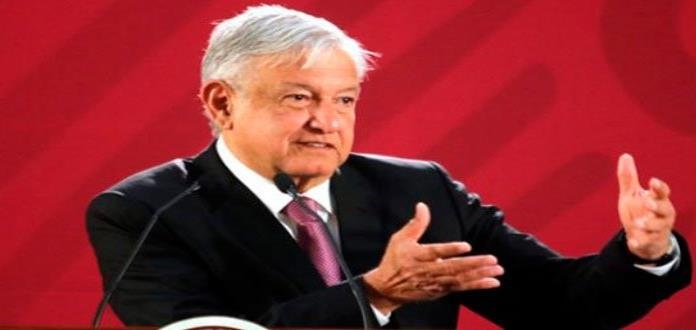 AMLO entrega primeras pensiones para adultos mayores