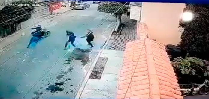 Captan a mujeres cuando enfrentan a ladrones y evitan robo en Neza (VIDEO)