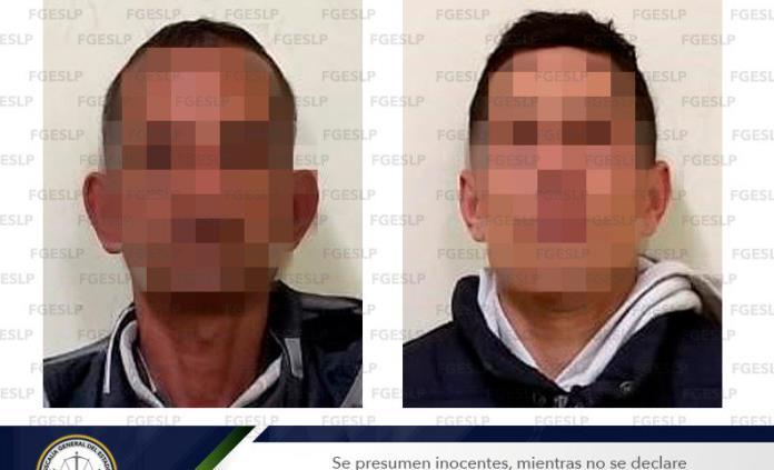Detienen a par de sujetos por el robo en OXXO de Zenón Fernández