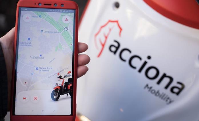Acciona desplegará servicio de motos eléctricas compartidas en Valencia