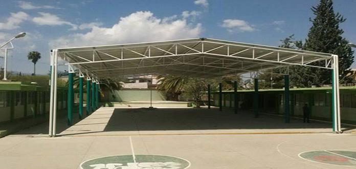 Aún sin techo protector, 55% de las escuelas