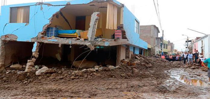 Lluvias y deslizamientos han dejado diez muertos y 1,800 damnificados en Perú